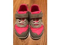Clarks first shoes - pink - 6.5 F