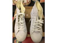 White leather converses all star Chuck Taylor. Uk size 8 (41.5)