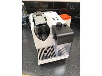 Nespresso Coffee machine - delonghi