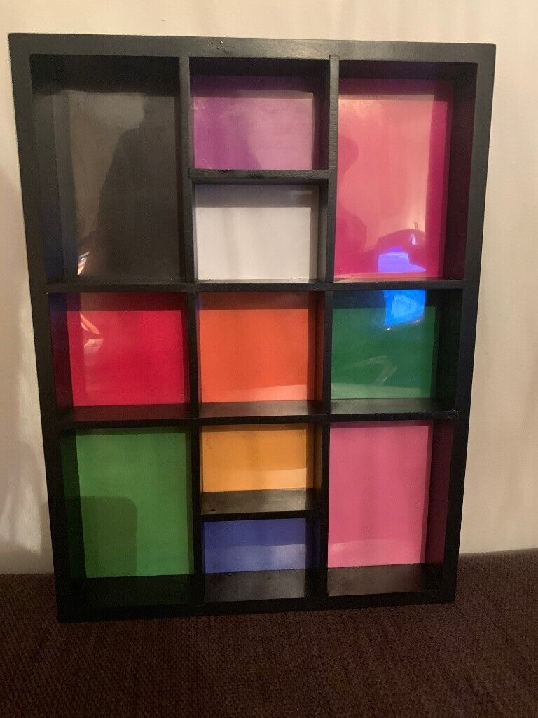 Free Cool Mini Wall Mounted Shelf Great For Kids Bedroom