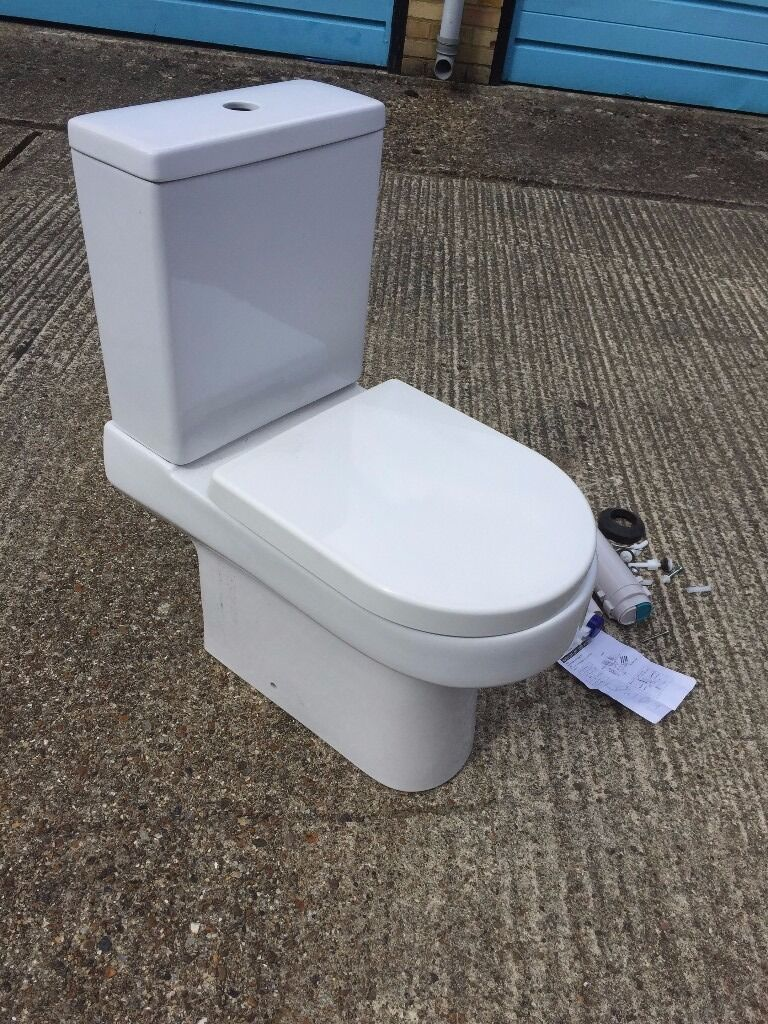 Victoria Plumb Oakley close coupled toilet with soft close seat | in ...
