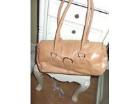 BEAUTIFUL TOP QUALIY LEATHER DESIGNER BAG BY ALPHA