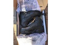 Brand New Magnum Stealth Force 6.0 leather safety boots Size7