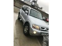 2004 Mitsubishi shogun warrior auto leather 7 seater