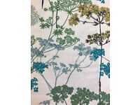NEW : 2 LINED ROMAN BLINDS : GREEN &TEAL ON WHITE BACKGROUND