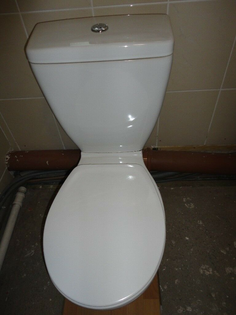 Incredible Bathroom Toilet White Bq Small Crack At Top Of Cistern Not Leaking In Good Working Order No Seat 5 In Ammanford Carmarthenshire Gumtree Creativecarmelina Interior Chair Design Creativecarmelinacom
