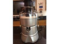 Whole fruit juicer. 800 watt. Unused
