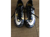 Nike mercurial football trainers size 5