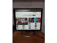 "Dell 19"" Flatscreen Monitor 1905FP with Adjustable Stand"