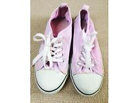 Pink shoes size 4
