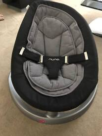 Nuna Leaf curve-Baby bouncer in grey