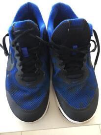 Nike Trainers uk size 9