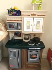 Step2 traditional play kitchen.