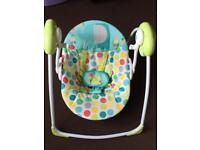 Baby swinging chair (from 0 months)