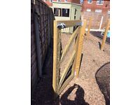 Excellent wooden gate and 5 wooden posts
