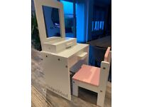 Design a friend dolls dressing table and chair