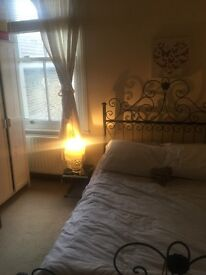 Lovely double bedroom to rent in great house a short walk away from Surrey Quays tube station & park
