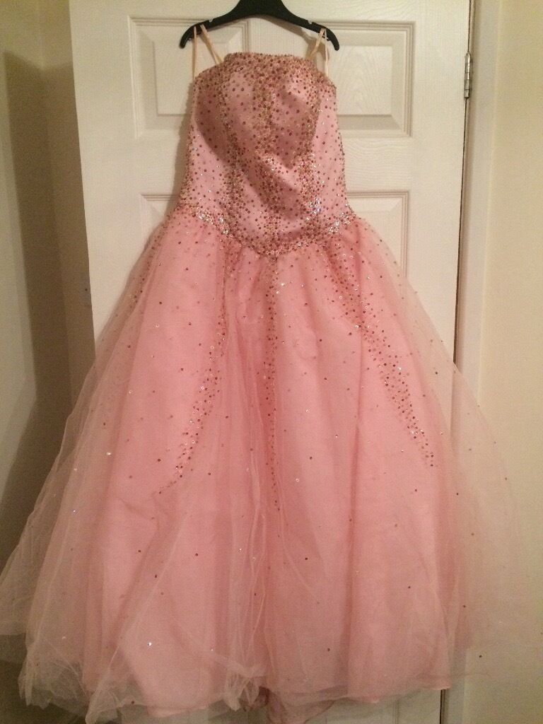 Prom dress Forever Young pinkin Pontefract, West YorkshireGumtree - Prom dress only worn once excellent condition. Pink dress by brand Forever Young in U.K dress size 10 12