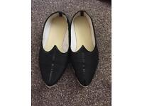 Mens Indian shoes size 8