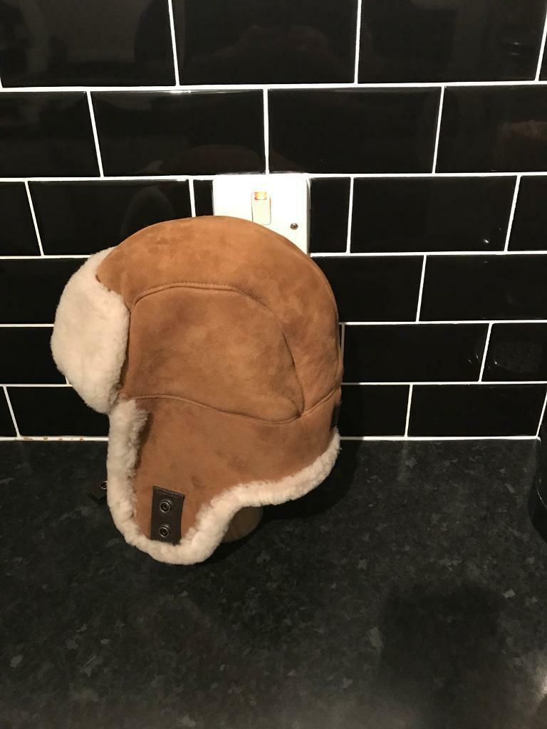b0ba3c96ad711 Ugg Men s Sheepskin Trapper Hat