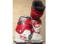 Dalbello children's ski boot