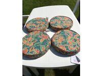 4 round garden cushions - new condition
