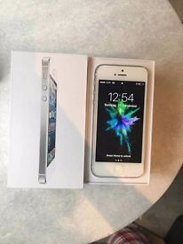 White iPhone 5 in Original Box 16GB With New Battery
