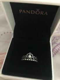 Pandora ring with box
