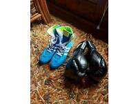 Boxing gloves and shose size9 neverwarn