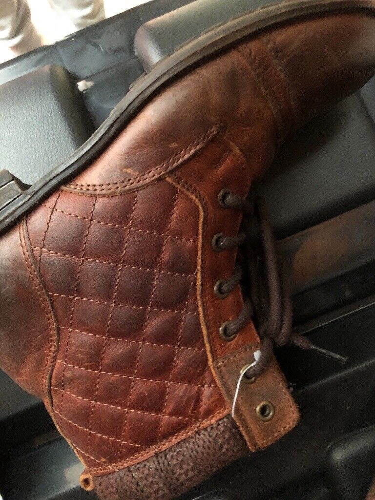 Real leather winter boots. NEW. River Island. S 3. Zips. Girls/ ladies