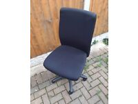 Black Office Chair (Brilliant Condition)