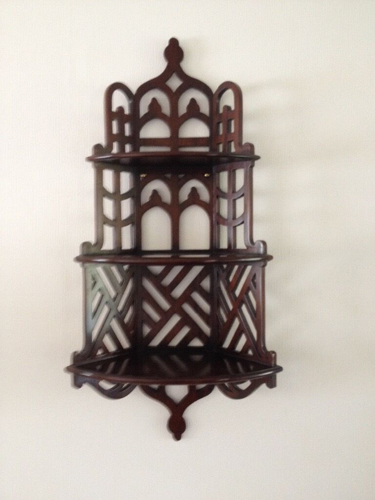 Decorative wall hanging display unit