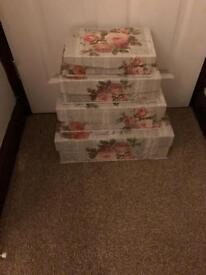 Set of 4 stackable boxes
