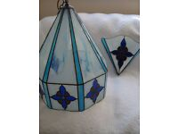 LARGE TIFFANY LEADED GLASS LIGHT FITTING PLUS 1 WALL LIGHT COST £450 BARGAIN £40 THE PAIR