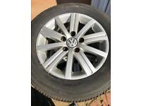 VW 15' alloys and as new tyres x4