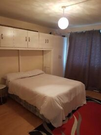Spacious room available on Edgware Road near Paddington, Baker street, Warwick Avenue and Maida Vale