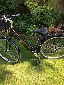 Lady bicycle like new first to see will buy