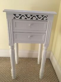 Shabby Chic 2 drawers cabinet.