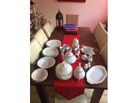 White and gold dinner set