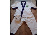 Lil Dragons kids' martial arts suit (age 4-6yrs) + white belt