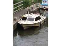 Shetland 535 boat 85hp Yamaha engine with trailer loads of chrome extras