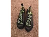 Climbing shoes size 10 brand new