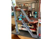 Ghostbusters playmobil tower, car and extras
