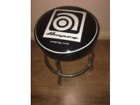 Ampeg studio stool, used only for a few months, it is like new.