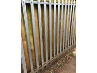 Steel palisade fencing triple pointed