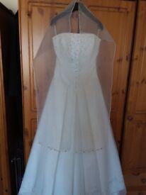 Beautiful Rena Koh Wedding Dress size 10