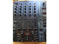 Behringer djx 750 professional DJ mixer