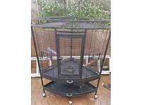 Corner parrot cage
