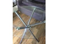 Retro glasses round table and chairs