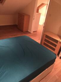 Massive 3 Bedroom First Floor Flat woth Bills £1500